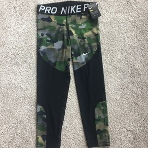 🌹New Modern Nike Pro Tight Fit Active Large